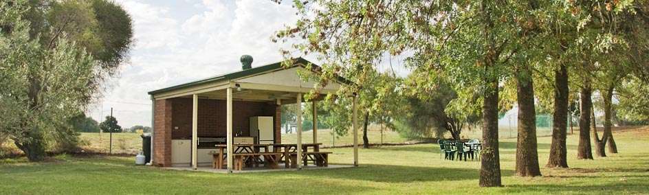 Our well equipped undercover bbq/camp kitchen is located alongside the solar heated pool